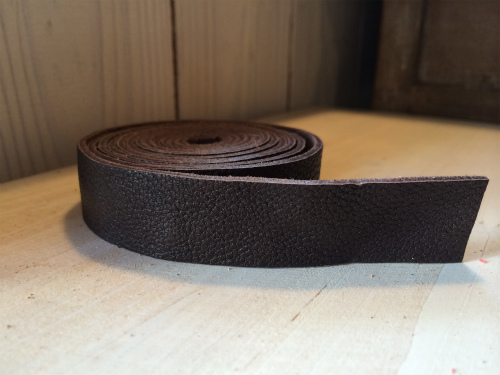 画像2: 革テープ(こげ茶) 2 cm幅 140cm カット済み