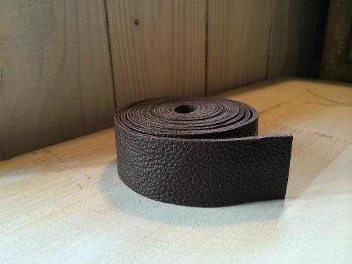 画像2: 革テープ(こげ茶) 3cm幅 140cm カット済み